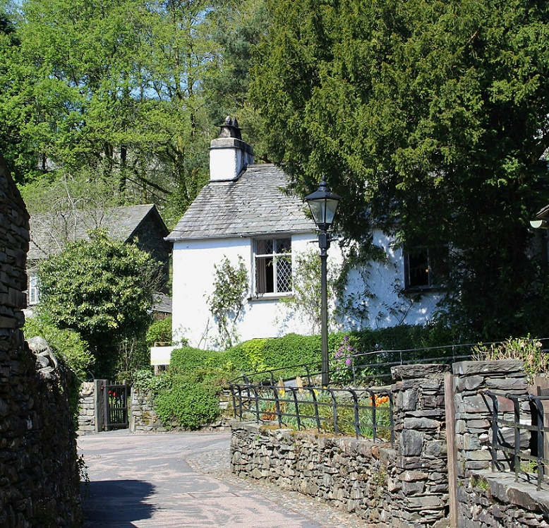 i wandered lonely as a cloud and dorothy s diary entry I wandered lonely as a cloud that floats on high o'er vales and hills, when all at once i saw a crowd, a host, of golden daffodils  here, for instance, is dorothy's journal entry from the excursion with her brother when they saw daffodils by the lake: the entry is from her grasmere journals, and is dated april 15, 1802: thursday 15th.